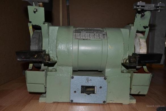 Станок точильно-шлифовальный 3К 631